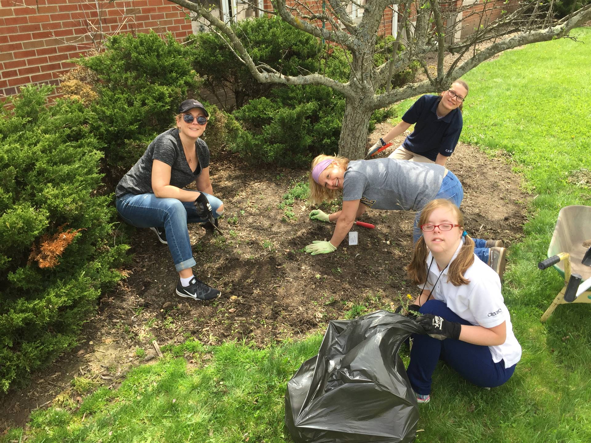 2018 Landscaping For the Ursuline Volunteer Group